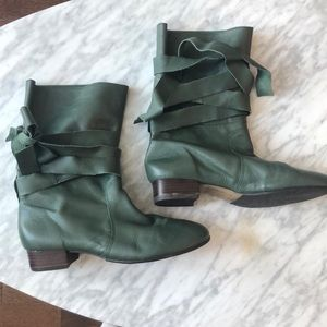 Green leather lace up boots by Colcci